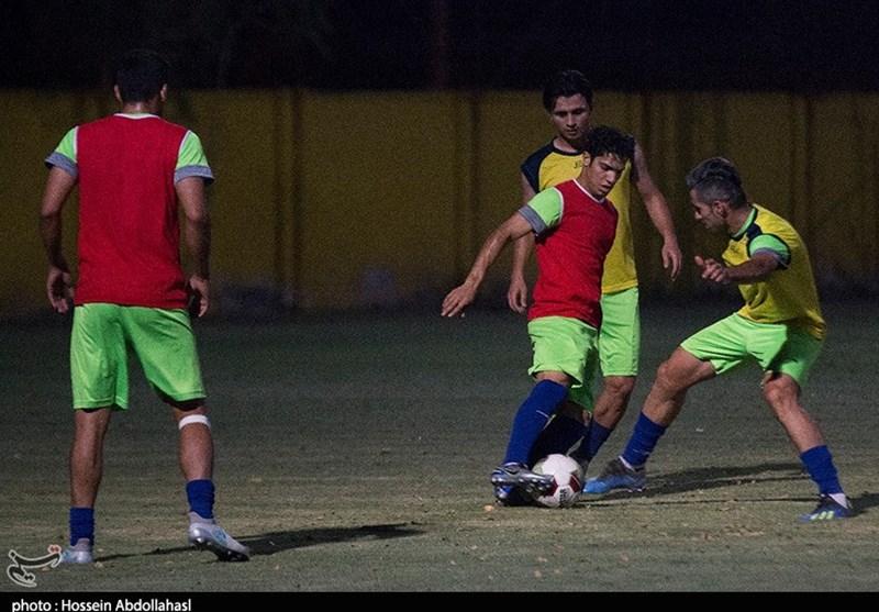 خوزستان  تصاویری از آمادهسازی بازیکنان تیم صنعت نفت آبادان برای شرکت در مسابقات لیگ برتر