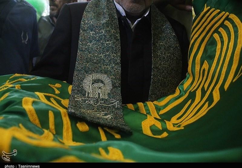 گلزار شهدای مدافع حرم میزبان پرچم متبرک ثامنالحجج(ع)