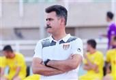 اهواز| پورموسوی: فوتبال روی بیرحمش را به ما نشان داد/ از هواداران عذرخواهی میکنم اما سرم بالاست