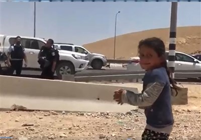غاصب صہیونیوں کا فلسطینی بیٹیوں پر بیہمانہ تشدد