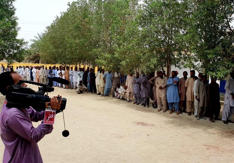 مردم مناطق قبایلی پاکستان برای نخستین بار پای صندوقهای رای پارلمانی میروند