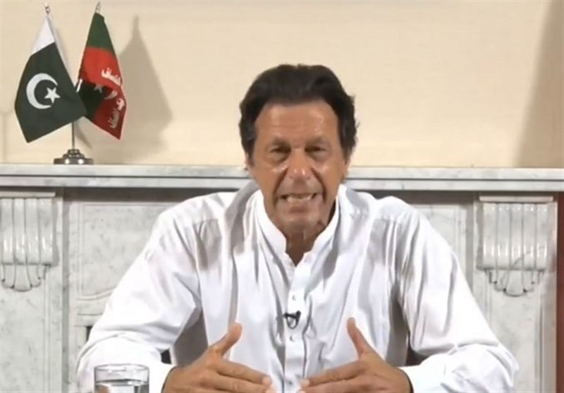 Pakistani PM Says He's Willing to Talk but Warns India