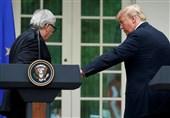 خودداری رئیس کمیسیون اروپا از گرفتن دست ترامپ