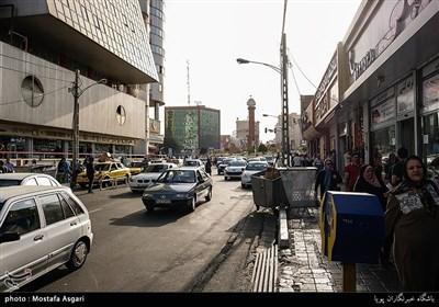 ستارخان از لحاظ دسترسی به نقاط دیگر شهر تقریبا در مرکز تهران قرار دارد و با اتوبان های شیخ فضل الله نوری، چمران و جناح میتوانید راحت به نقاط دیگر تهران برسید