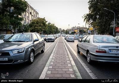 این خیابان از میدان صادقیه شروع وبه چهار راه توحید ختم میشود