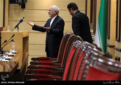 سخنرانی محمدجواد ظریف وزیر امورخارجه در همایش مشترک سفرای جمهوری اسلامی ایران با فعالان بخش خصوصی
