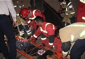 سقوط همزمان 2 مرد جوان از طبقه چهارم ساختمان مسکونی + تصاویر