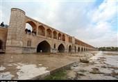 باغات تشنه اصفهان سیراب میشوند؛ رهاسازی 30 میلیون متر مکعب آب در زاینده رود