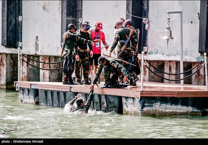 Iranian Navy Team Breaks World Records in Depth 2018 Competition