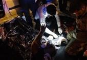حبس سرنشینان پژو پارس پس از تصادف شدید با نیسان پیکاپ + تصاویر
