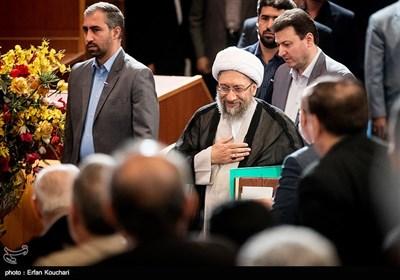 ورود آیتالله آملی لاریجانی رئیس قوه قضاییه به مراسم بزرگداشت روز حقوق بشر اسلامی و کرامت انسانی