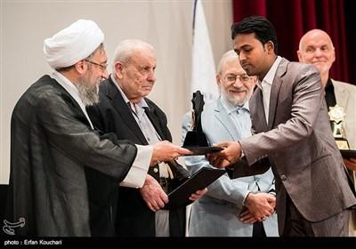 تقدیر از برگزیدگان چهارمین جایزه حقوق بشر اسلامی