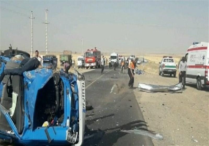 سوختن ۵ نفر در تصادف محور فیروزآباد- شیراز/ ۴ نفر مجروح