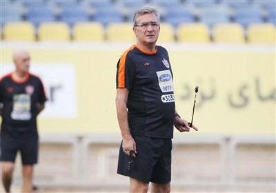 برانکو: استقلال 20 بازیکن گرفته و ما 4 بازیکن هم از دست دادهایم/ در مورد ایمن حسین عجله نکنید