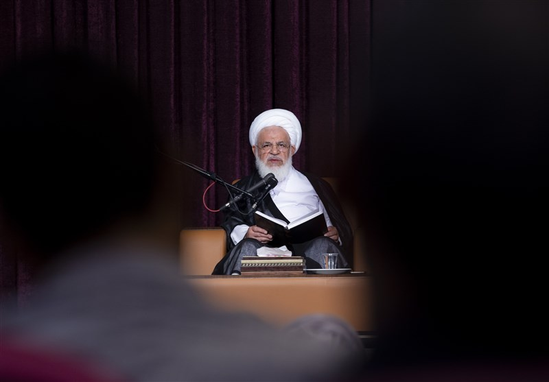 یزد| شهدا به ریاست و پست و مقام توجهی نداشتند