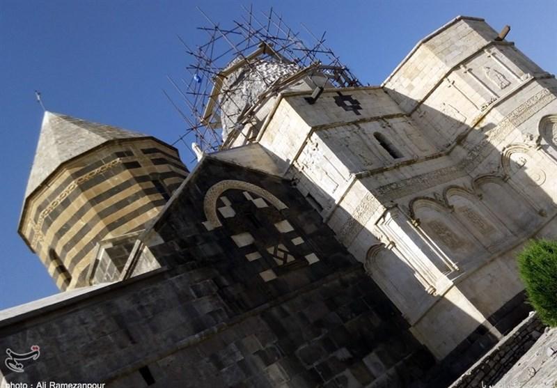 جزئیات دو نیمشدن سنگ نگهدارنده صلیب آهنی قره کلیسا+تصاویر