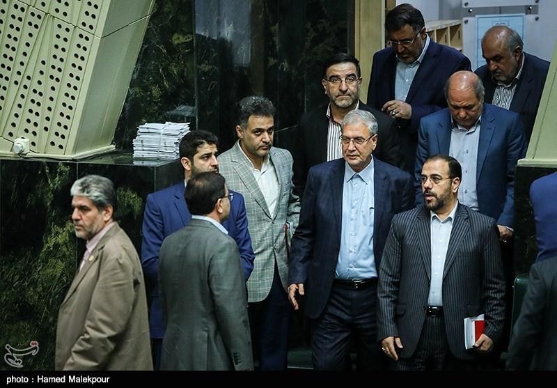 ورود علی ربیعی وزیر تعاون ، کار و رفاه اجتماعی به جلسه علنی مجلس شورای اسلامی