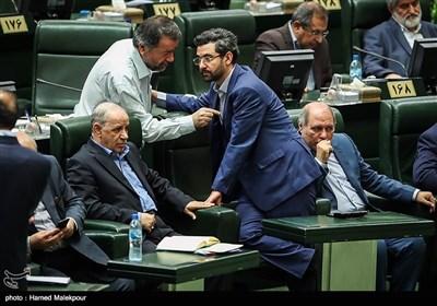 محمدجواد آذری جهرمی وزیر ارتباطات در جلسه استیضاح وزیر تعاون ، کار و رفاه اجتماعی