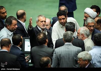 اعتراض مسعود پزشکیان در جلسه استیضاح وزیر تعاون ، کار و رفاه اجتماعی