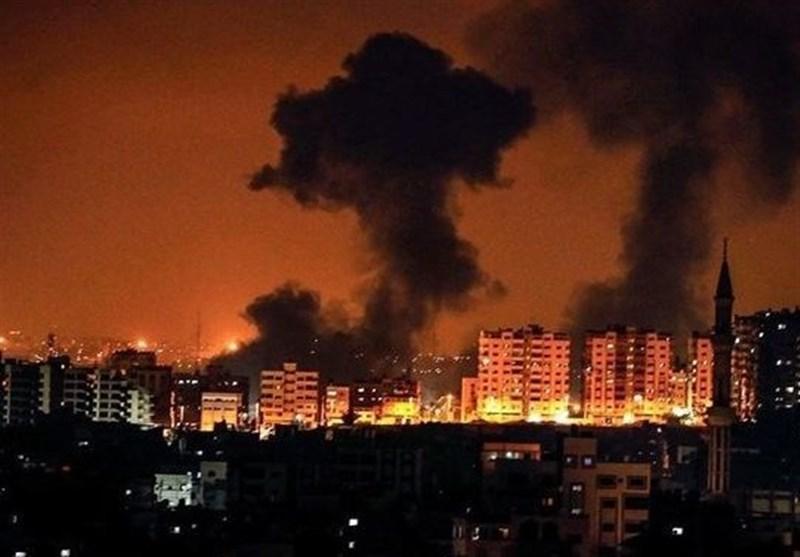 اسرائیلی جنگی طیاروں کی غزہ پر شدید بمباری/ اسلامی مزاحمت کا 70 راکٹوں سے دندان شکن جواب
