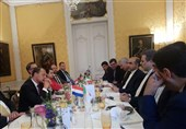 Iranian, Dutch Diplomats Discuss Closer Ties