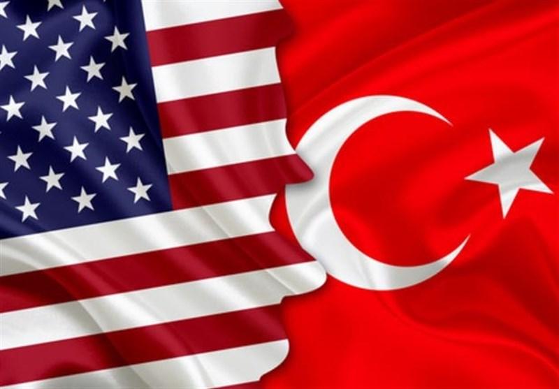 طمأنة ترکیّة حیال اللیرة وسط تهدید أمریکی بالتصعید