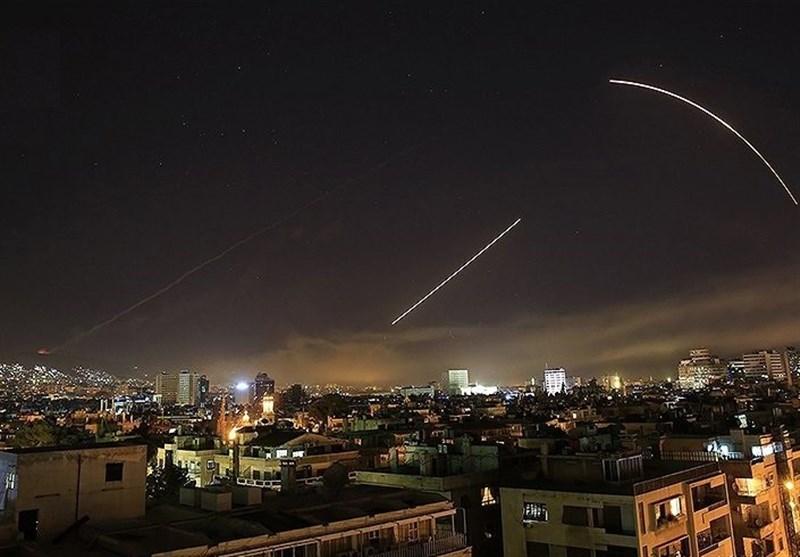 پدافند هوایی سوریه با اهداف متجاوز در غرب دمشق مقابله کرد/ اسپوتنیک: یک پهپاد اسرائیلی سرنگون شد