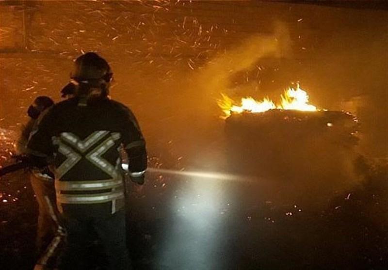آتشسوزی گسترده در 2 انبار بزرگ چوب + تصاویر
