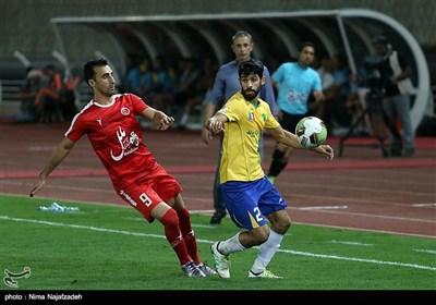 دیدار تیمهای فوتبال پدیده و صنعت نفت - مشهد