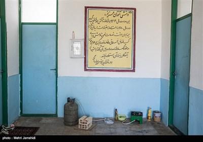مدرسه روستای سواسره در سال ۸۰ بعد از آتشسوزی دوباره بازسازی واحیا شد اما به گفته اهالی این مدرسه بیش از ۸ سال است که خالی از دانشاموز است