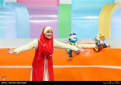 آزاده آل ایوب(خاله نرگس) مجری برنامه تلویزیونی کودک و نوجوان رنگین کمان