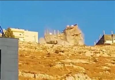 خاص /تسنیم - بالفیدیو ..لحظة انهیار المبنى الذی تحصن به الارهابیون فی منطقة السلط فی الاردن