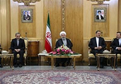 روحانی در مهرآباد: عاملان حادثه تروریستی اهواز مجازات میشوند/آمریکا از سازمان ملل سوءاستفاده میکند