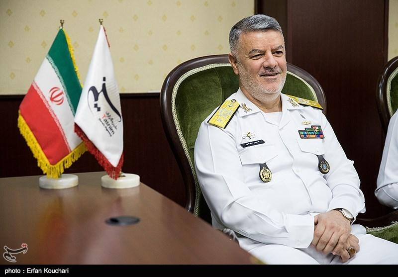 حضور دریادار حسین خانزادی فرمانده نیروی دریایی راهبردی ارتش در خبرگزاری تسنیم