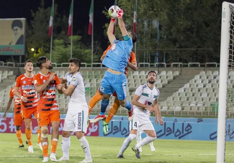 محمدی: هم ما برد میخواهیم و هم سپاهان/ در همه پستها بازیکنان خوبی داریم