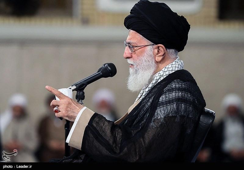 رهبر انقلاب: بر اثر برخی بیتدبیریها ارز کشور رفت دست کسانی که برخی از آن سوء استفاده کردند/ آمریکا زیر وعدههایش زد، چرا باید با آنها مذاکره کرد