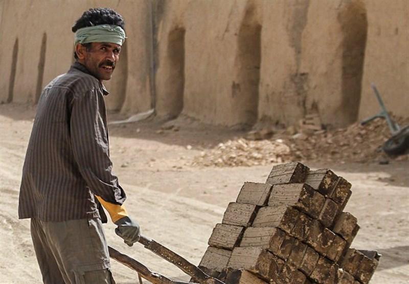 مشهد| کارگران وضعیت معیشتی مناسبی ندارند؛ تکلیف فاصله دستمزد و هزینه معیشت روشن شود