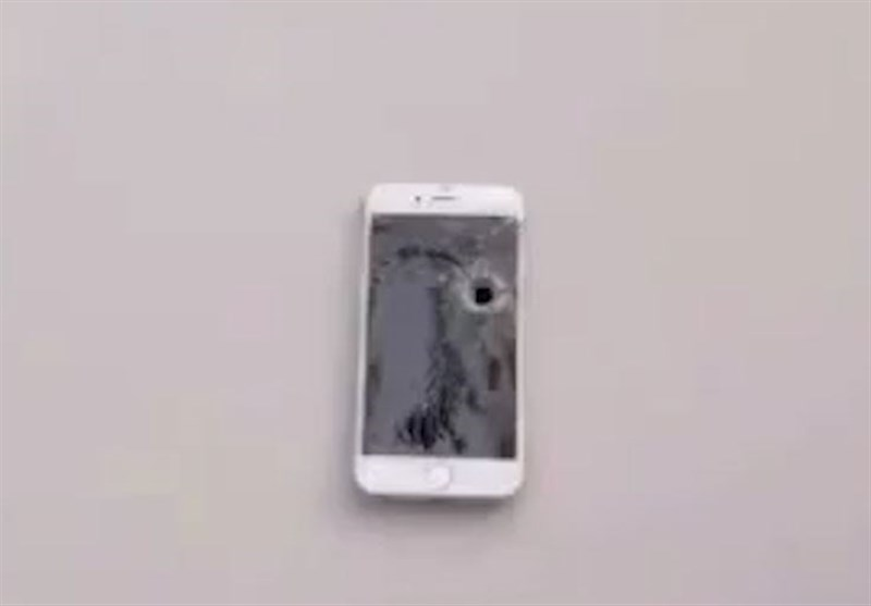 Turkish iPhone Users Smash, Burn Their Gadgets to Show Anger over US Sanctions