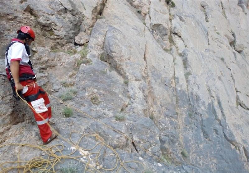 لرستان| نجات 4کوهنورد گرفتار در اشترانکوه؛ واژگونی پراید در رودخانه 7 کشته بر جای گذاشت