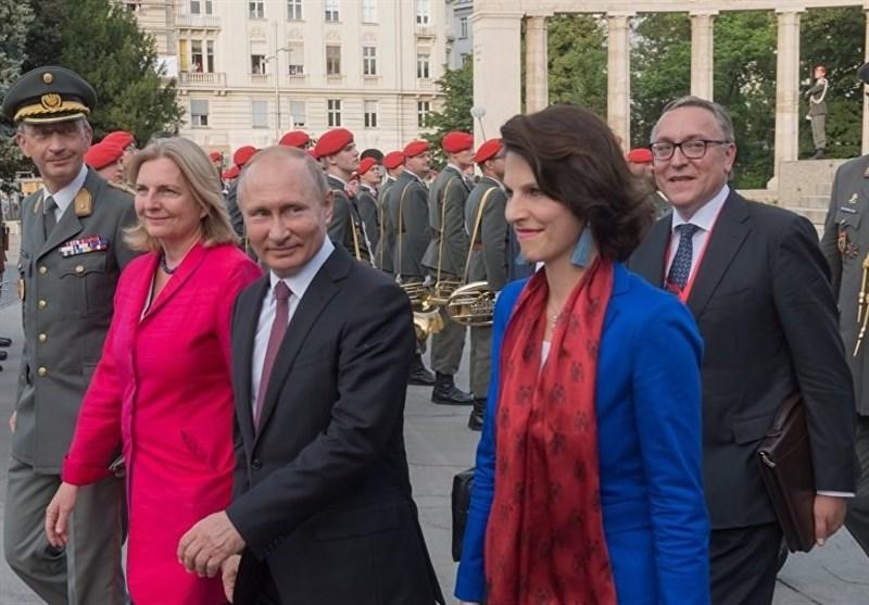 حفل زواج یجمع بوتین الروسی بالاتحاد الأوروبی