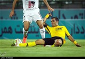 کیانی: در جام حذفی تیمهای بزرگ هیچ امنیتی ندارند/ حیف است تیمی با اشتباهات داوری امتیاز از دست بدهد
