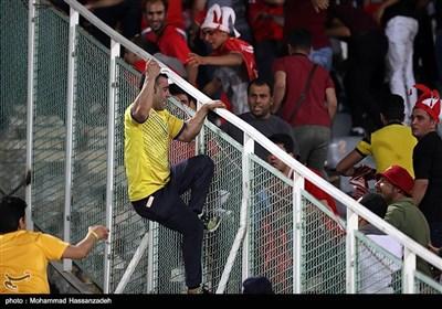 دیدار تیمهای فوتبال پرسپولیس و نفت مسجد سلیمان