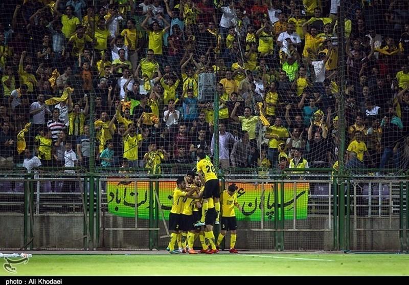 جدول لیگ برتر فوتبال در پایان روز اول هفته هفتم؛ سپاهان در روز برگزاری یک بازی نیمهتمام جای پرسپولیس را گرفت