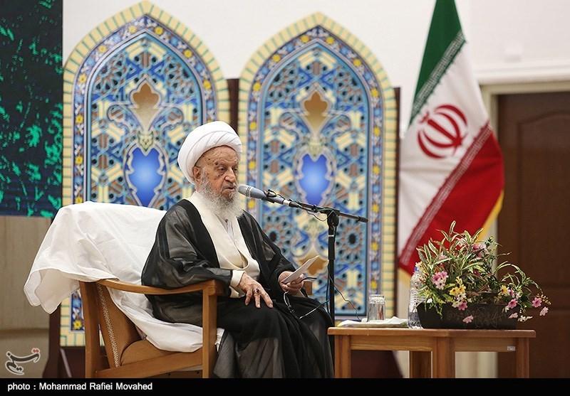 آیة الله مکارم شیرازی یؤکد ضرورة مضاعفة التبلیغ للأربعین الحسینی