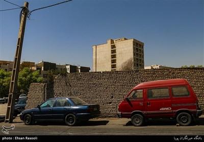 ساختمان های بلندی که جایگزین باغ ها و خانه های با صفای محله باغ فیض تهران می شوند