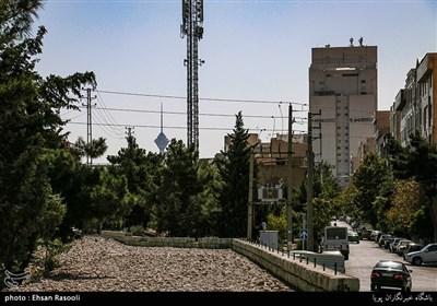 محله باغ فیض تهران،دور نمای برج میلاد