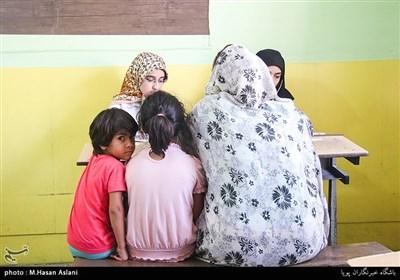 تيم پزشكی گروه جهادی محبان الزهرا سلام الله علیها در روستای قشلاق از توابع شهرستان ملارد