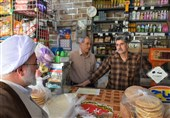 سرکشی امام جمعه شاهرود از بازار و گفتوگو با کسبه به روایت تصویر