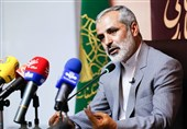 """""""سیاهنمایی"""" حربه جدید دشمنان علیه انقلاب اسلامی/ مسئولان دستاوردها را برای جوانان شفاف کنند"""