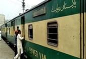 کراچی سے پہلی عید اسپیشل ٹرین روانہ: معمر افراد کو مفت سفر کی سہولت دستیاب